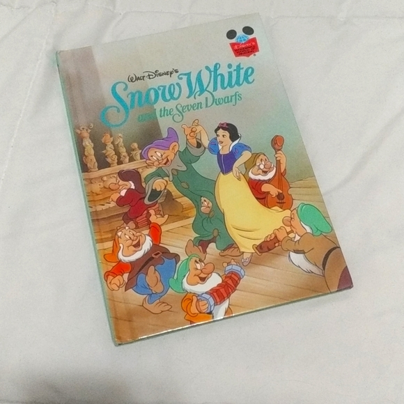 3/25 Snow White and the Seven Dwarfs Book